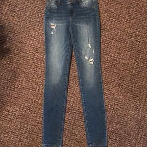 EUC MAURICES destroyed jeggings skinny jeans XS
